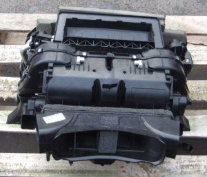 BMW 530d E60 E61 LCI Klimagehäuse Gebläsekasten
